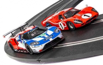 Scalextric 50 Years of Le Mans, Ford MkIV + Ford GT