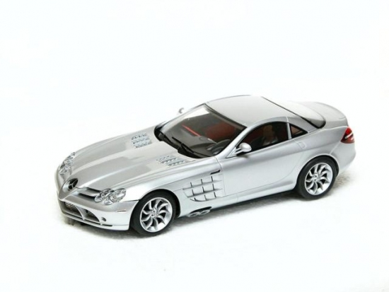 Scalextric Digital Mercedes-Benz SLR McLaren